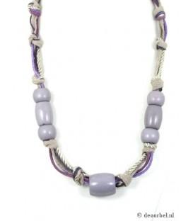 Koord halsketting met paarse kralen