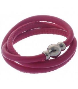 Armband van fuchsia kunstleer en magneet sluiting
