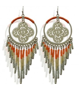 Mooie oorbellen met dromenvanger en oranje kralen