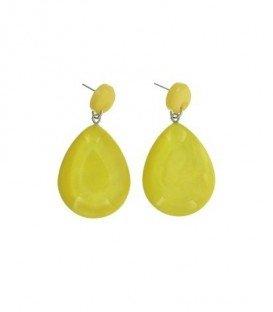 Gele oorbellen met een ovale hanger