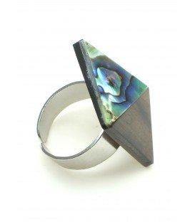 Vierkante houten ring met parelmoer inleg