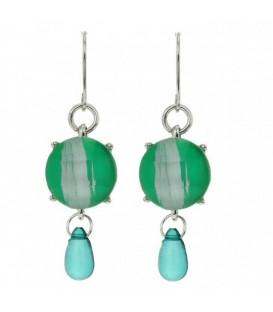 Licht groene oorbellen met turquoise kraal van Behave