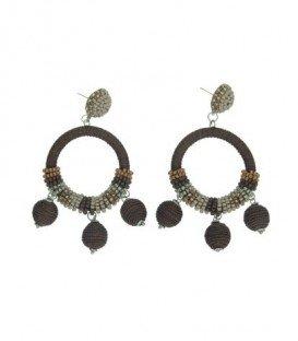 Bruin gekleurde oorbellen met ronde hanger en kralen