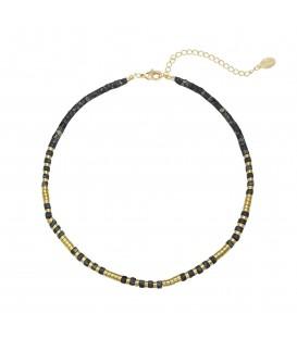 Stijlvolle zwarte halsketting gemaakt van koperen kraaltjes en kraaltjes van natuursteen