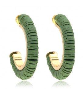 Groene oorbellen met kleine platte kralen