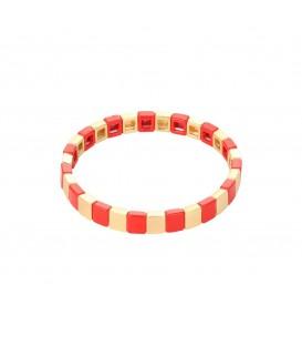 Kleurrijke rode armband met vierkante metalen kralen