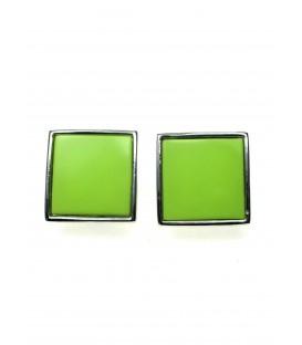 Oorclips met licht groene invulling en zilverkleurige rand
