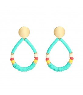 Turquoise oorbellen gemaakt van rubberen ringetjes in verschillende mooie kleuren