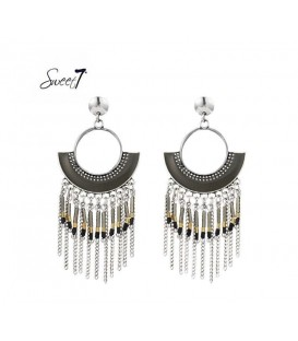 Mooie grijs met zilverkleurige oorbellen van Sweet7
