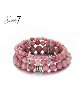 Roze natuurstenen armband van 3 rijen en bedels