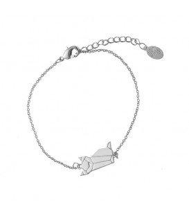 Mooie zilverkleurige armband met een bedel in de vorm van een kat