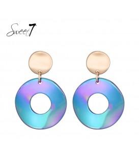 Blauwe oorbellen met ronde hanger en een goudkleurig oorstukje