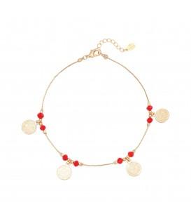 Goudkleurig enkelbandje met rode kralen en muntbedels
