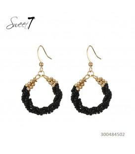 Zwarte en goudkleurige kralen oorbellen