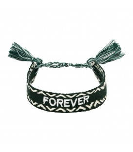Groene geweven armband met 'FOREVER' letters erop