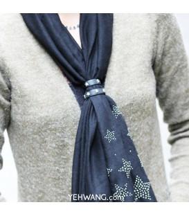 rose kleurige sjaal riempjes voor het dragen van een sjaal