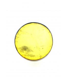 gele oorclips van culture mix met parelmoer inleg