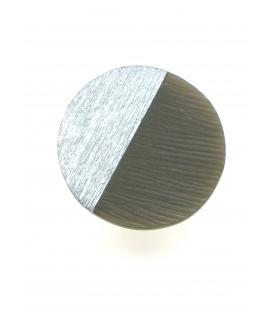 lichtbruine ronde oorclips met zilverkleurige inleg