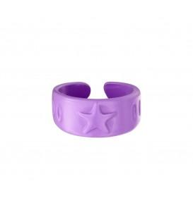 lila gekleurde metalen candy ring met een ster